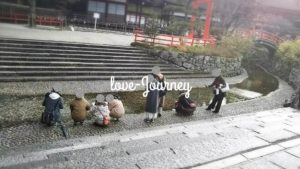【大阪発・ハピネスツアー】下鴨神社・水みくじ浮かべるようの川